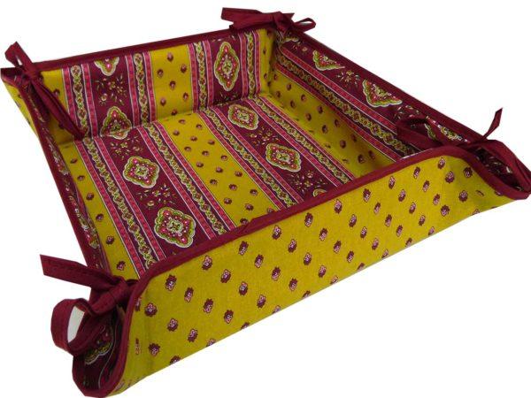 Esterel Promotions - Découvrez notre collection Esterel en promotion. Elles se composent de nappes ainsi que de sets de table également de corbeilles, housses de coussin, sacs baguettes et sets apéro2.
