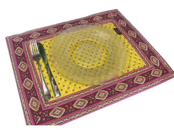Esterel Promotions - Découvrez notre collection Esterel en promotion. Elles se composent de nappes ainsi que de sets de table également de corbeilles, housses de coussin, sacs baguettes et sets apéro. 1