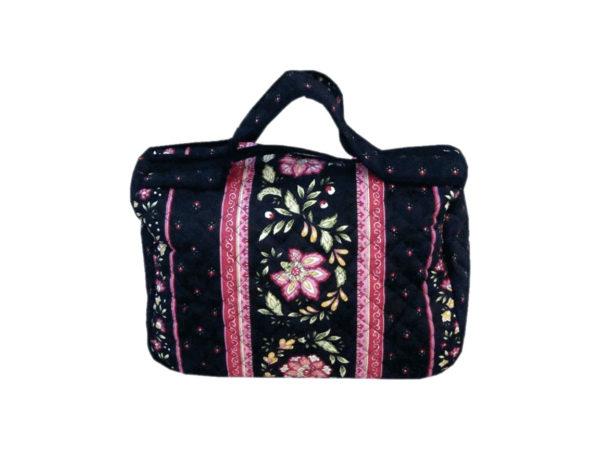 Bagagerie : Vanity et sacs Découvrez notre collection de bagagerie 100% provençale. Vous trouverez vanity, sacs polochon et sacs cabasa associer avec le reste de notre collection. vanity noir