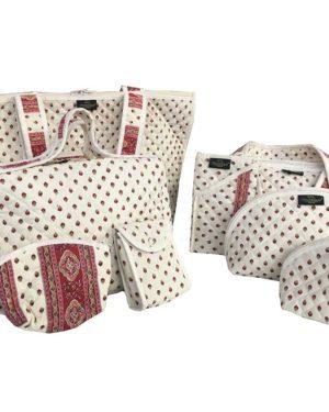 Bagagerie : Vanity et sacs Découvrez notre collection de bagagerie 100% provençale. Vous trouverez vanity, sacs polochon et sacs cabasa associer avec le reste de notre collection. écru bordeaux