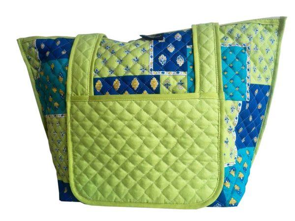 Bagagerie : Vanity et sacs Découvrez notre collection de bagagerie 100% provençale. Vous trouverez vanity, sacs polochon et sacs cabasa associer avec le reste de notre collection. sacpatch bleu anis