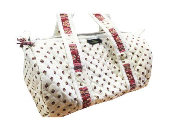 Bagagerie - Bagagerie : Vanity et sacs Découvrez notre collection de bagagerie 100% provençale. Vous trouverez vanity, sacs polochon et sacs cabasa associer avec le reste de notre collection. ecru bordeaux sac