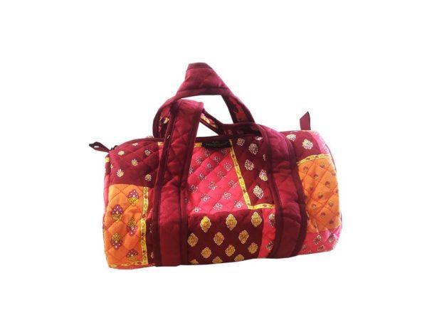 Bagagerie : Vanity et sacs Découvrez notre collection de bagagerie 100% provençale. Vous trouverez vanity, sacs polochon et sacs cabasa associer avec le reste de notre collection. Patch orange rose sac polochon