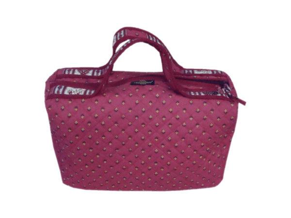 Bagagerie : Vanity et sacs Découvrez notre collection de bagagerie 100% provençale. Vous trouverez vanity, sacs polochon et sacs cabasa associer avec le reste de notre collection. vanity bois de rose