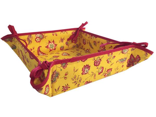 Indienne corbeille jaune 1 - Venez découvrir notre collection INDIENNE. Elle se compose de corbeille ainsi que de serviettes et sets de table. De plus, elle est en promotion.